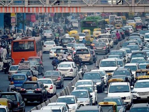 世界上第一擁堵的首都,面積360平方公里,卻有300萬輛三輪車