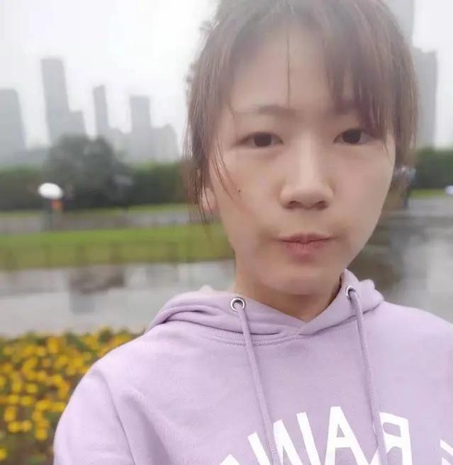 瞬间泪奔 96年女孩为抗击疫情 独自骑行三百多公里回武汉医院上班