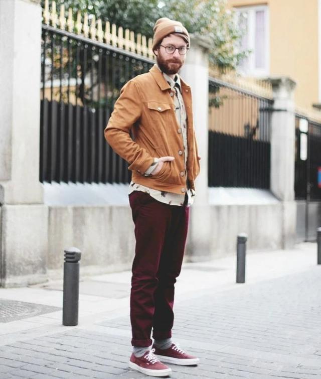 VANS深受街头潮男的喜爱,穿在脚上时髦帅气有腔调